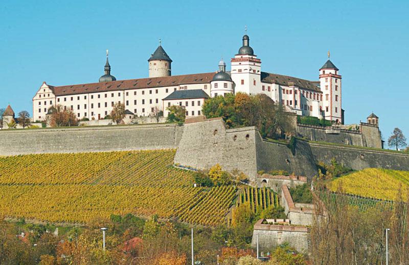 Mehrtägige Städte-Tour mit mehreren Orten Tranfser Ibel München