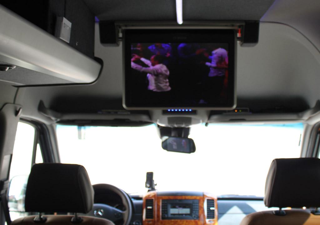 Mercedes Benz Sprinter DVD / TV Luxus VIP Bus Transfer Ibel München